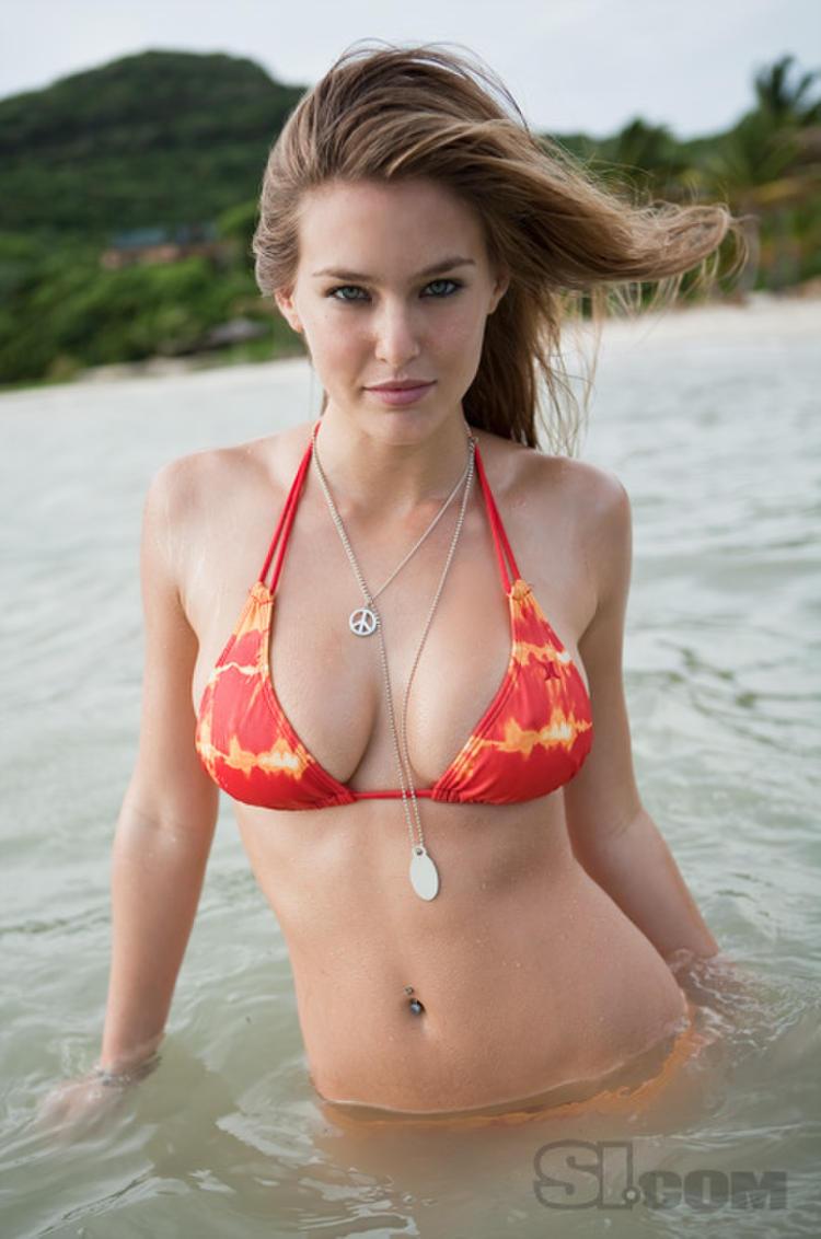 Bikini bar refaeli