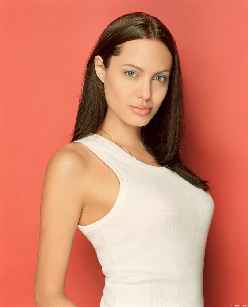 Naked pics of angelina jolie picture 593