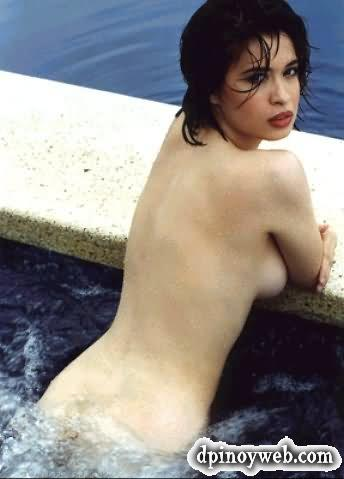 nude coed having sex