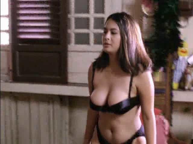 nude-photo-joyce-jimenez-metcalfe-masturbating